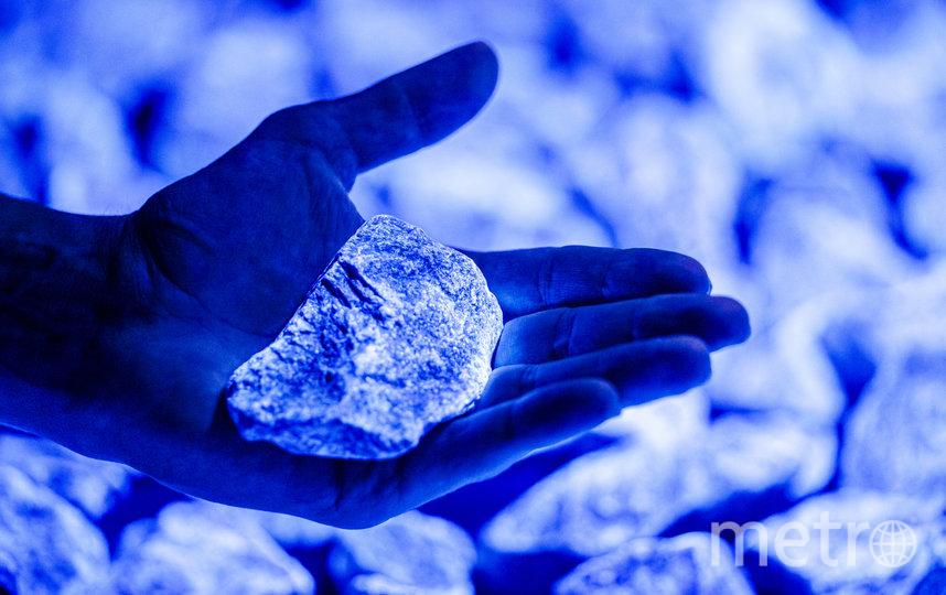 104 тысячи светящихся камней использовал художник для создания инсталляции. Фото STUDIOROOSEGAARDE