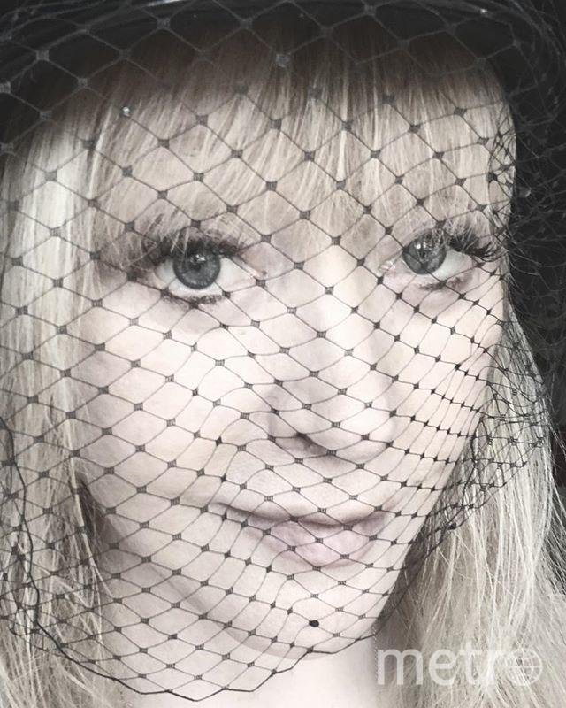 Алла Борисовна часто делает селфи с такого ракурса крупным платом. Фото instagram.com/alla_orfey