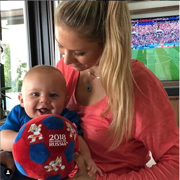 Анна Курникова с сыном. Фото скриншот instagram.com/annakournikova