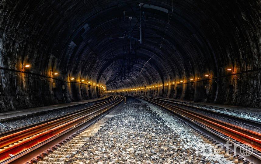 "Американца арестовали в Петербурге за спуск в метро. Фото Pixabay.com, ""Metro"""