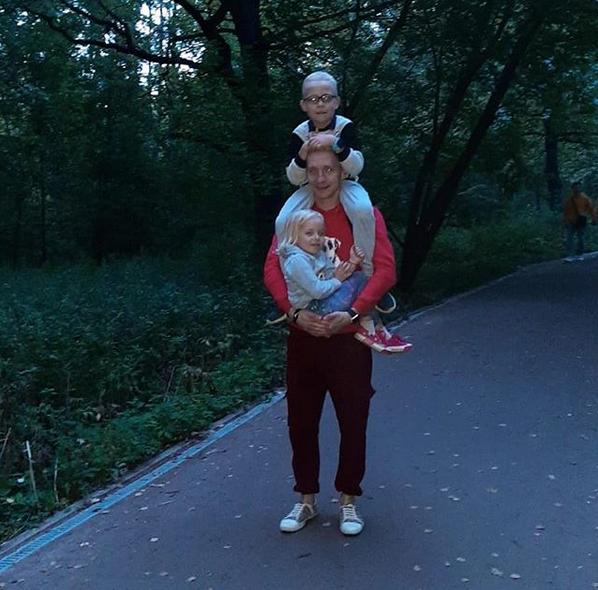 """""""Быть хорошим папой для меня – это быть достойным примером для детей, поддержкой во всём и считаться с мнением своих детей"""". Фото Александр, @aleksandrsancesko, """"Metro"""""""