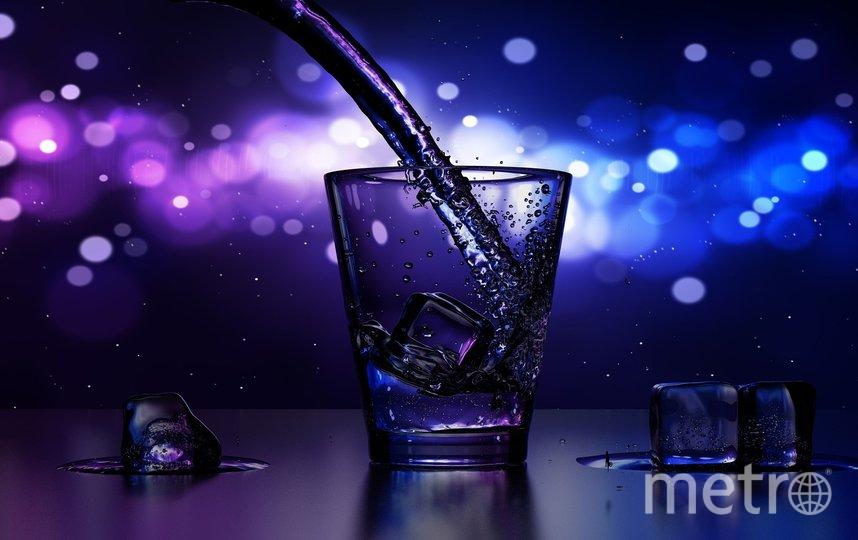 """В баре в центре Москвы посетителю при подаче """"экстремального"""" коктейля сломали шею. Фото pixabay"""