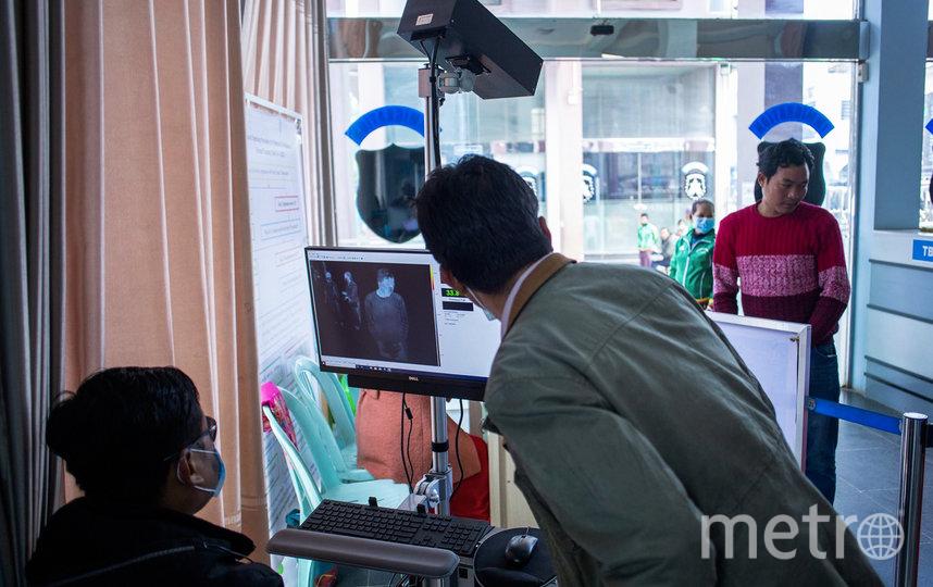 Тепловизоры вычисляют заболевших. Фото AFP