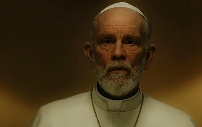 Герой Джона Малковича, ставший главой католической церкви. Фото кадр из сериала