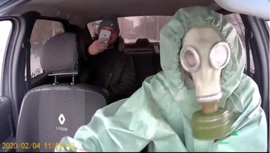 Пассажир фотографирует таксиста. Фото Скриншот видео Instagram/rbt.55