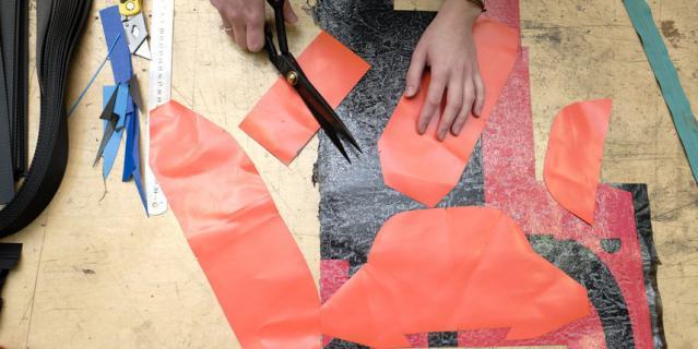 """Производство находится yf складе – вместе с офисом и """"пошивочным"""" цехом."""