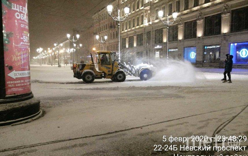 Ночная уборка. Фото gov.spb.ru/gov/otrasl/blago