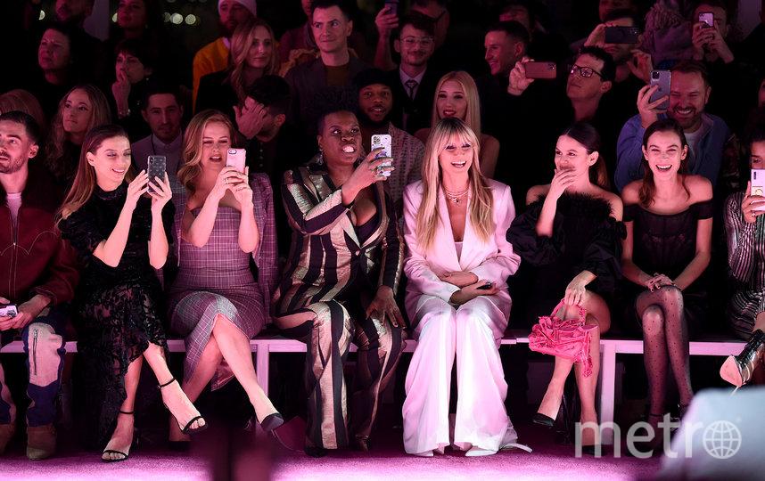 Хайди Клум и другие гости показа. Фото Getty