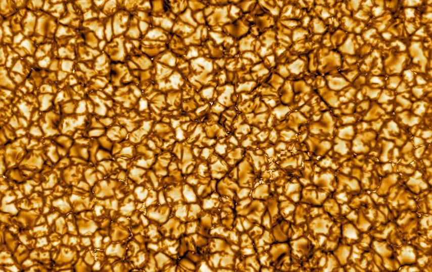 Ранее в Сети опубликовали фотографии Солнца, полученные при помощи солнечного телескопа Daniel K. Inouye Solar Telescope. Фото NSO/AURA/NSF