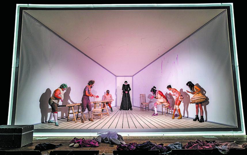 Сцена из спектакля. Фото Алиса Скальская, Предоставлено организаторами