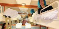 Узники лайнера Diamond Princess у берегов Японии не дают себе скучать