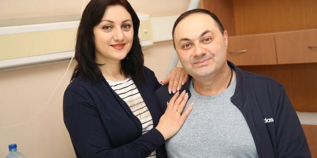 Армен с супругой.