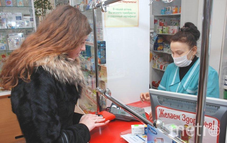 Антимонопольщики выявили факт завышения отпускных цен на медицинские маски в Петербурге. Фото архив, Интерпресс