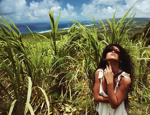 Рианна. Фото скриншот: instagram.com/badgalriri/