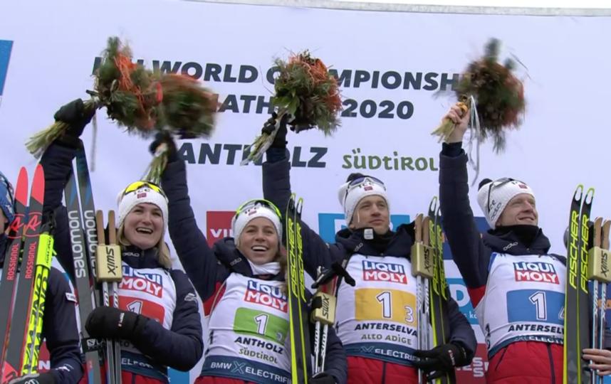Норвежские биатлонисты выиграли смешанную эстафету на Чемпионате мира. Фото Скриншот @biathlontv