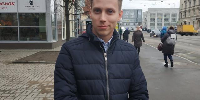 Илья, представитель компании, 26 лет.