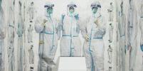 Художник из Нью-Йорка отдал дань уважения китайским медработникам