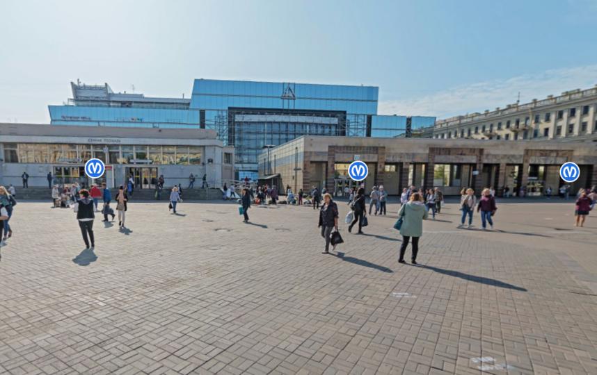 """""""Сенная площадь"""" (слева), """"Спасская"""" - справа. Фото Яндекс.Панорамы"""