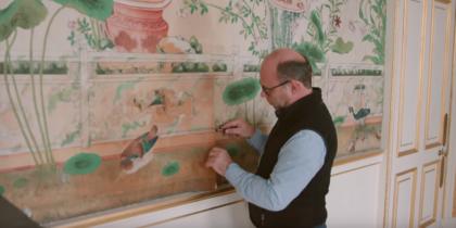 Как поступили с обоями XIX века при реставрации Букингемского дворца: видео
