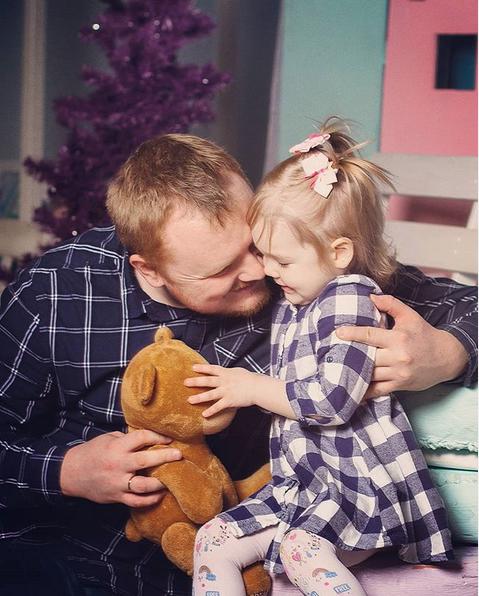 """""""Быть хорошим папой - это умение слышать ребенка, любить, несмотря ни на что, быть надёжной опорой и поддерживать во всем"""". Фото Наташа, @natasha_baranova_foto"""