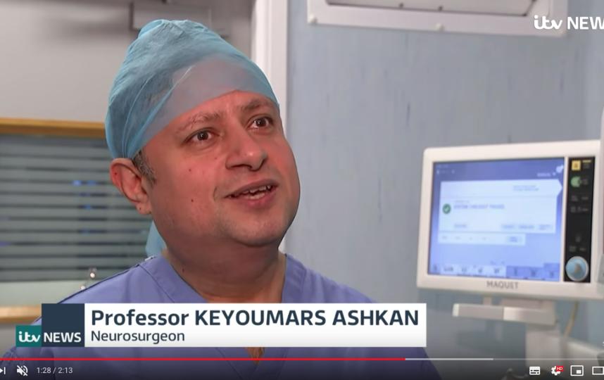 Профессор Кейумарс Ашкан. Фото скриншот YouTube-канал ITV