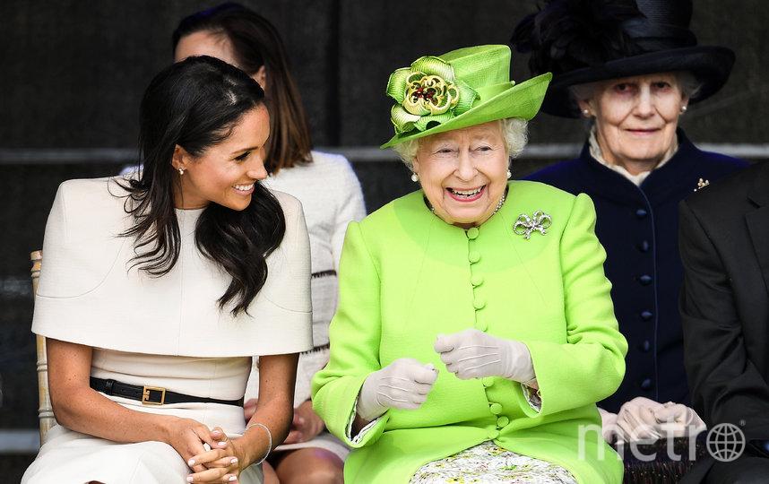 На первом совместном выходе в свет в июне 2018 года королева и Меган Маркл много общались и смеялись, их отношения казались безоблачными. Фото Getty
