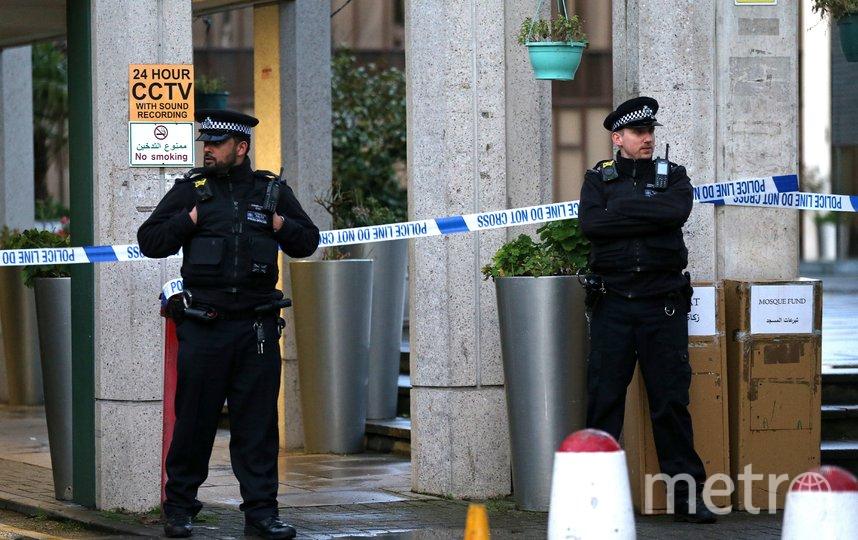 В Лондоне мужчина с ножом напал на прихожан мечети. Фото AFP