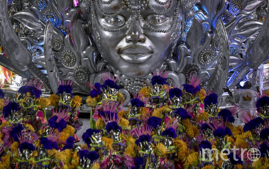 Неотъемлемой частью ежегодного шествия являются потрясающие декорации. Фото AFP
