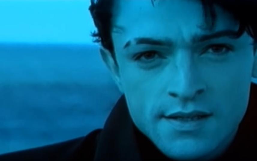 """Кадр клипа на песню """"Между мной и тобой"""". Фото Скриншот Youtube"""