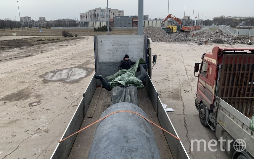 "Транспортировка скульптур. Фото предоставлено ""СКА-Арена"", ""Metro"""