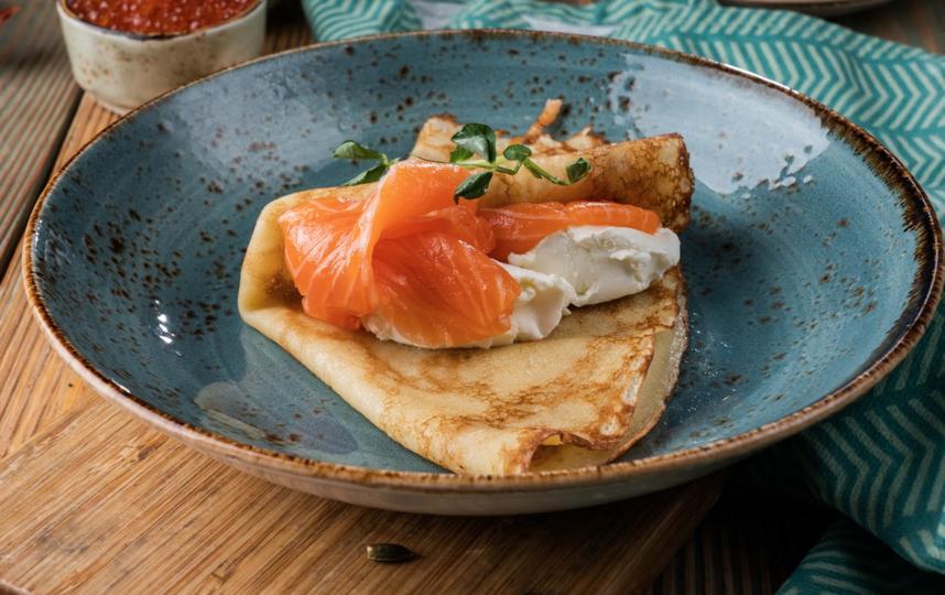 Блин с лососем и творожным сыром. Фото предоставлены рестораном Marketplace