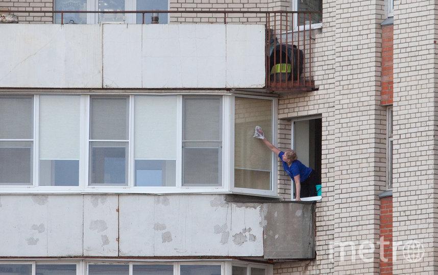 """Оштрафовать за самовольно остеклённые балконы в Петербурге пока никого не успели. Фото Святослав Акимов, """"Metro"""""""