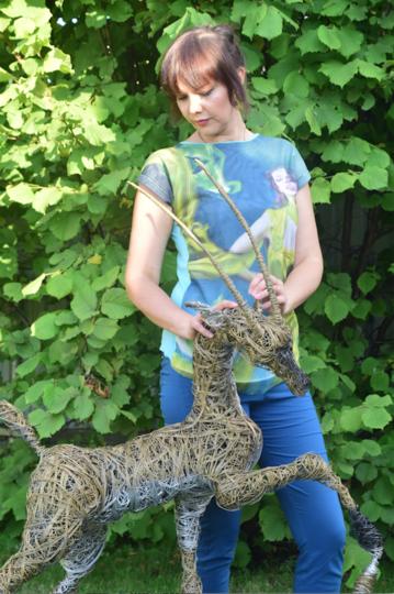 Евгения и её скульптура. Фото предоставила Евгения Лесовских