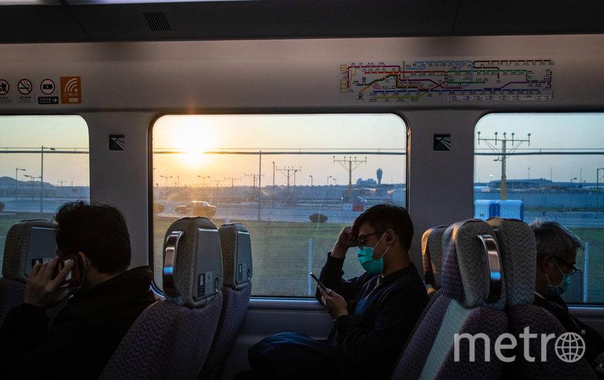 Россиянам нужно максимально сократить поездки за рубеж в связи с распространением коронавируса, отметили в Роспотребнадзоре. Фото AFP