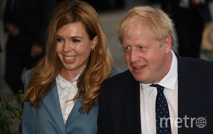 Борис Джонсон и Кэрри Саймондс. Фото AFP