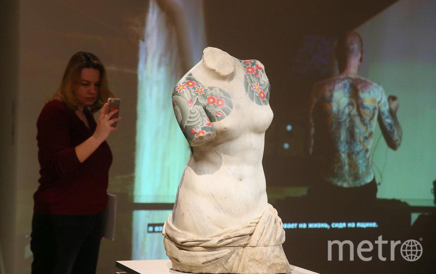 Работа «Венера» итальянского художника Фабио Виале обыгрывает знаменитую древнегреческую скульптуру. Фото Василий Кузьмичёнок