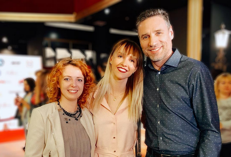 Женя Огурцова, Лена Третьякова и Виталий Абдулов. Фото Скриншот Instagram: @_lenatretyakova_