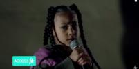 Дочь Ким Кардашьян и Канье Уэста прочитала рэп на показе Yeezy в Париже: видео