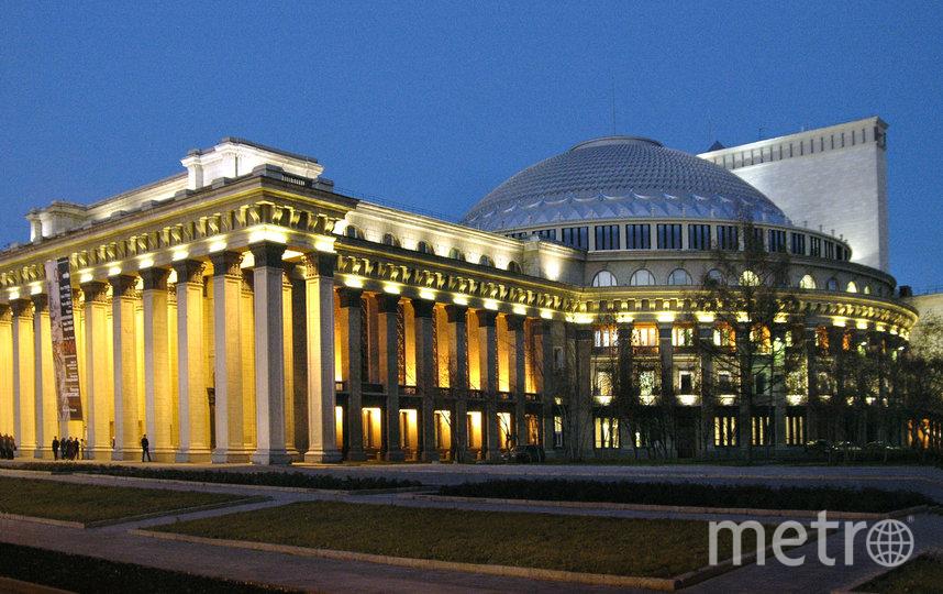 На новосибирской сцене выступят оперная и балетная труппы Большого театра. Всего из столицы приедет около 300 артистов.