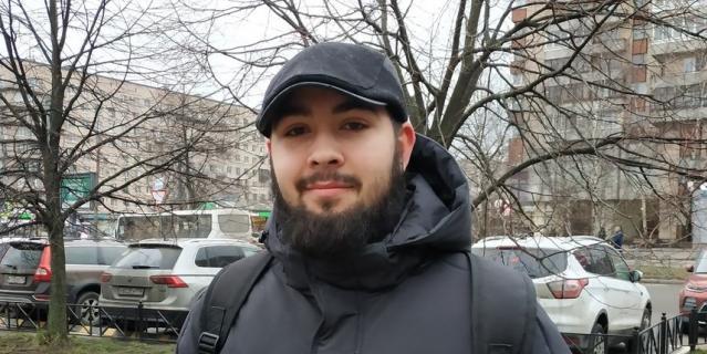 Алексей, студент, 19 лет.