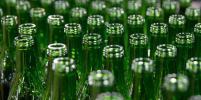 Эксперт рассказал, может ли стекло заменить пластик