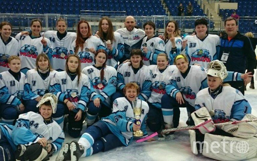Женский хоккей в России является относительно молодым и активно развивающимся спортом. Это одно из перспективнейших для России направлений олимпийского спорта.