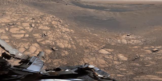 Кадры видео. Панорама, сделанная Curiosity.
