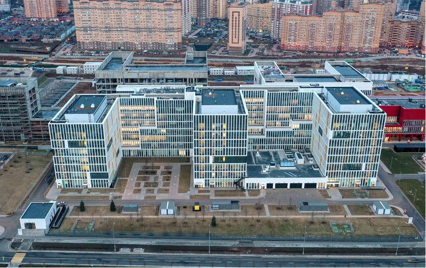 Больница в Коммунарке, где лечат людей с коронавирусной инфекцией. Фото Getty