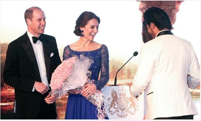 Кейт в платье 4 года назад во время визита в Индию. Фото Getty
