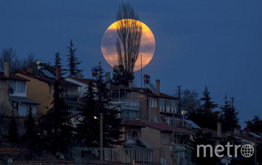 Суперлуние. 10 марта 2020 года. Турция. Фото Getty