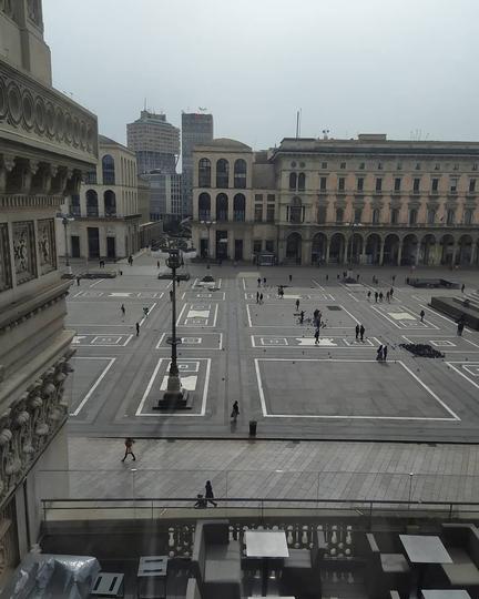 Площадь Дуомо в Милане после объявления карантина. Фото instagram @fragala0774