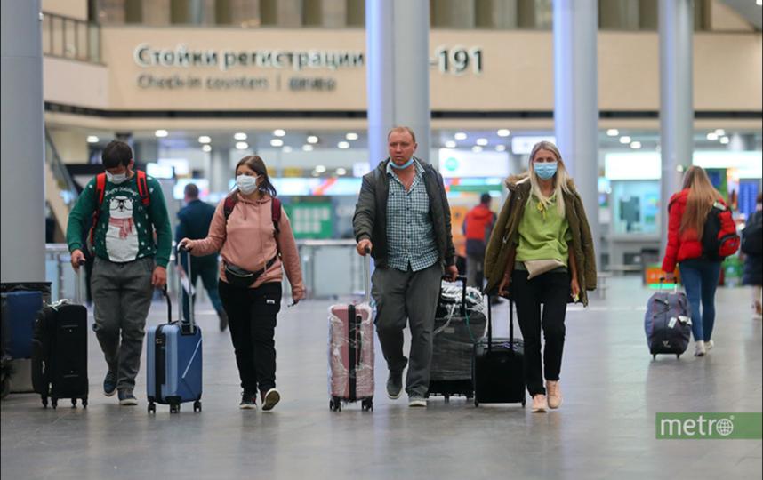 Четыре новых случая коронавируса в Москве выявлены среди летевших одним рейсом с заболевшими. Фото Василий Кузьмичёнок