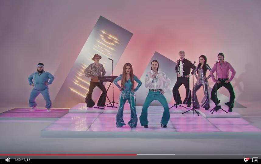 "Накануне Little Big представила клип на песню ""Uno"". Фото https://www.youtube.com/watch?time_continue=1&v=L_dWvTCdDQ4&feature=emb_logo"