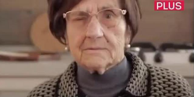 Итальянская блогерша-пенсионерка посоветовала при встрече подмигивать.